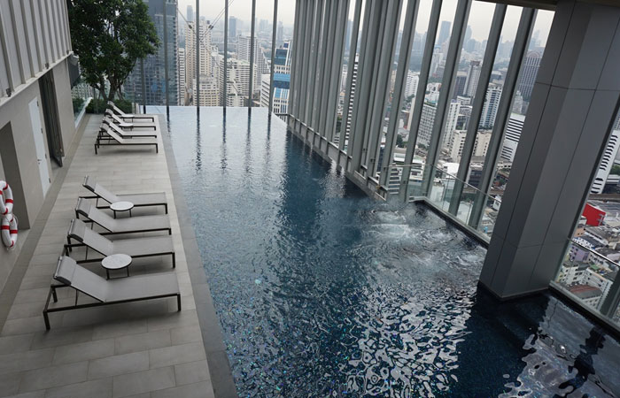 Hyde-Sukhumvit-11-swimming-pool